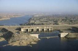 Le Haut Barrage à Assouan en voyage en Égypte