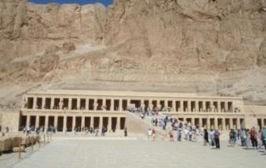 Le temple de la reine Hatchepsout à Louxor en voyage en Égypte