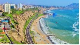 Plage et Miraflores à Lima au Pérou