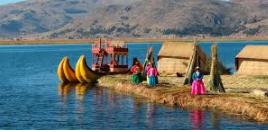 Lac Titicaca et Îles Flottantes au Pérou