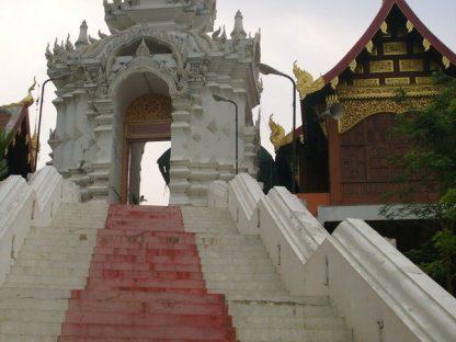 Visite d'un temple en voyage en Thailande