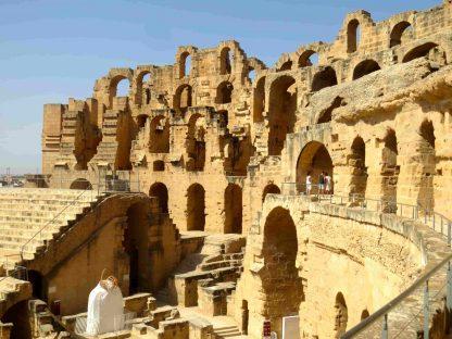 Intérieur du Colisée en Tunisie
