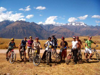 Activité de vélo dans le programme d'immersion en espagnol à Cusco au Pérou