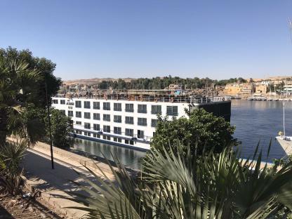 Bateau de croisière sur le Nil en voyage en Égypte