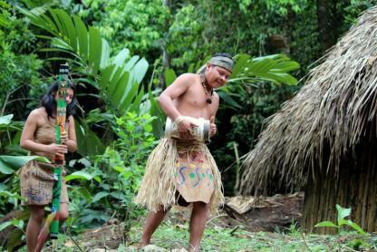 Famille Maleku à la Fortuna dans un circuit au Costa Rica