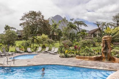 Piscine de l'hôtel Montana del Fuego à La Fortuna au Costa Rica