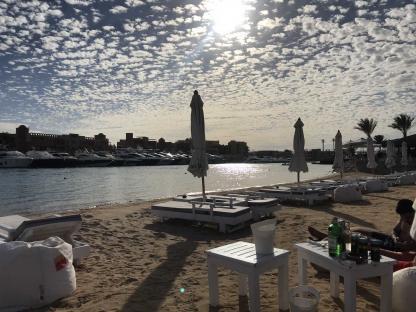 Plage et port à Gouna à Hurghada en voyage en Égypte