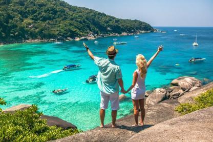 Touriste à la plage en voyage en Thailande