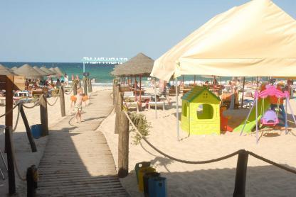 Air de jeu à la plage de l'Hôtel Riadh Palms à Sousse en Tunisie