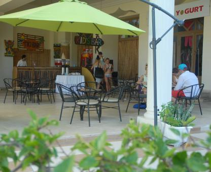 Tiki bar à l'Hôtel Riadh Palms à Sousse en Tunisie