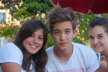 Jeunes en camp de vacances à Barcelone en Espagne