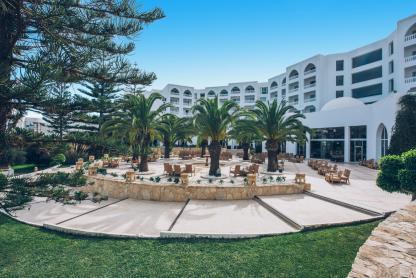 Bar au lobby à l'hôtel Iberostar Kantaoui Bay en Tunisie