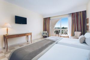Chambre double supérieur à l'hôtel Iberostar Kantaoui Bay en Tunisie