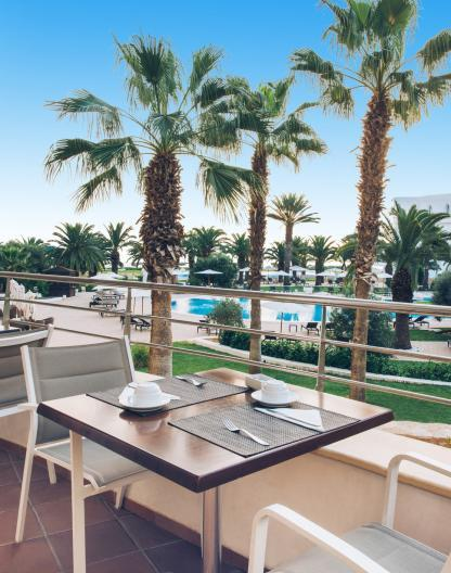 Restaurant terrasse à l'hôtel Iberostar Kantaoui Bay en Tunisie