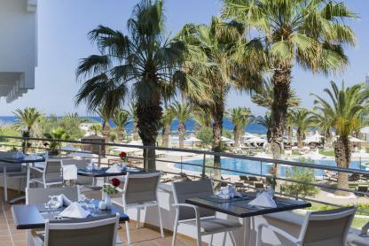Terrasse du restaurant à l'hôtel Iberostar Kantaoui Bay en Tunisie